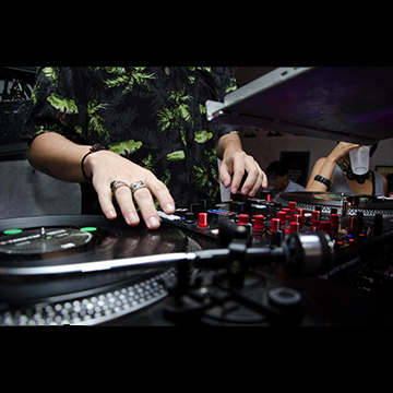 DJ Sessions With DJ Theo Philip
